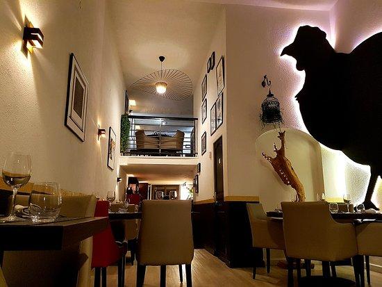 https://the-place-to-be.fr/wp-content/uploads/2019/03/restaurant-bistrot-chic-la-poule-noire-marseille.jpg