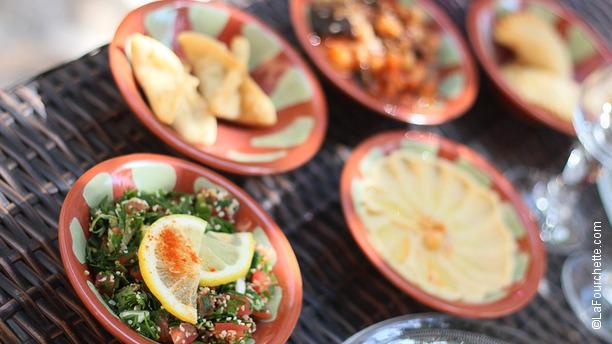 https://the-place-to-be.fr/wp-content/uploads/2019/05/restaurant-aux-delices-du-liban-aix-en-provence.jpg