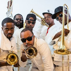 https://the-place-to-be.fr/wp-content/uploads/2020/01/billet-concert-hypnotic-brass-6mic-aix-en-provence.jpg