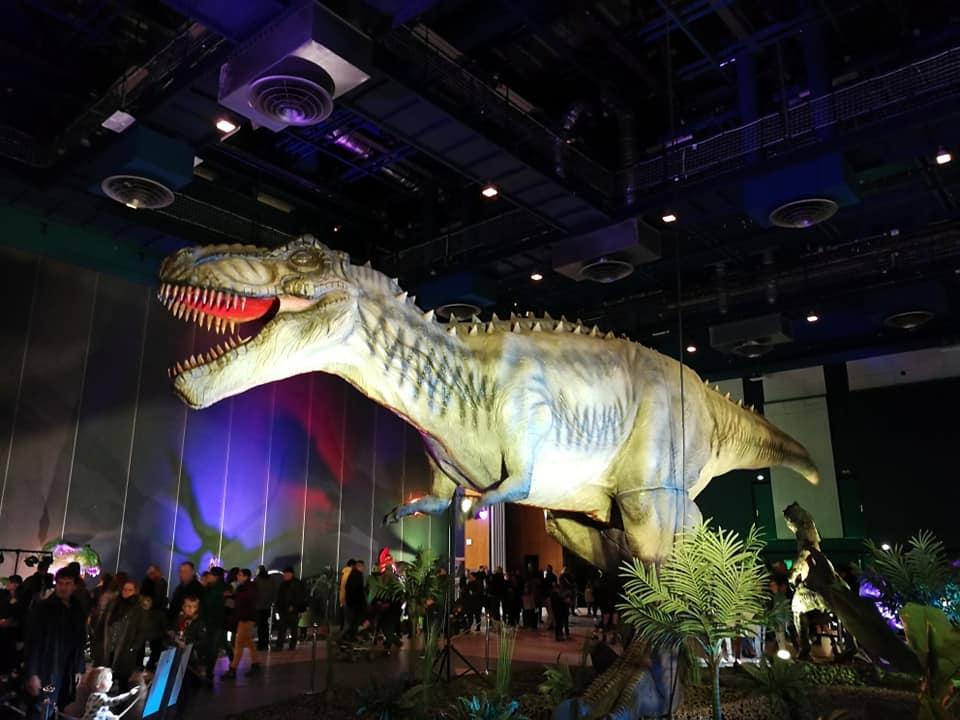 https://the-place-to-be.fr/wp-content/uploads/2020/01/le-monde-des-dinosaures-expo-marseille-parc-chanot-fevrier-2020.jpg