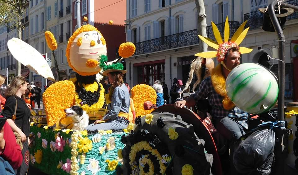 https://the-place-to-be.fr/wp-content/uploads/2020/02/fete-agro-parada-2020-canebiere-marseille.jpg