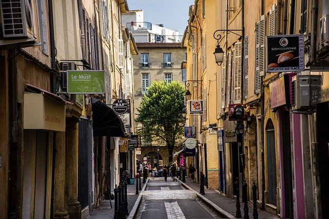 https://the-place-to-be.fr/wp-content/uploads/2020/05/aix-en-provence-3810569_640.jpg