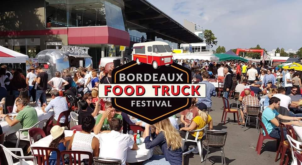 https://the-place-to-be.fr/wp-content/uploads/2020/06/food-trucs-festival-bordeaux-2020-le-bouscat-hippodrome.jpg