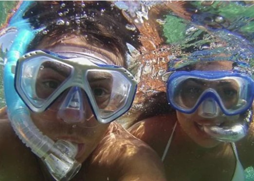 https://the-place-to-be.fr/wp-content/uploads/2020/06/ou-faire-du-snorkeling-snorking-a-marseille.jpg