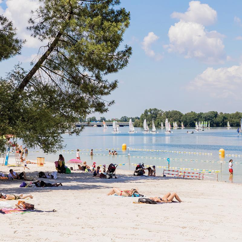 https://the-place-to-be.fr/wp-content/uploads/2020/07/un-ete-a-bordeaux-activite-animation-plage-du-lac-bruges-summer-2020.jpg
