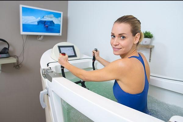 cabine d'aquabike pour la pratique d'aquabiking chez vitabike bordeaux