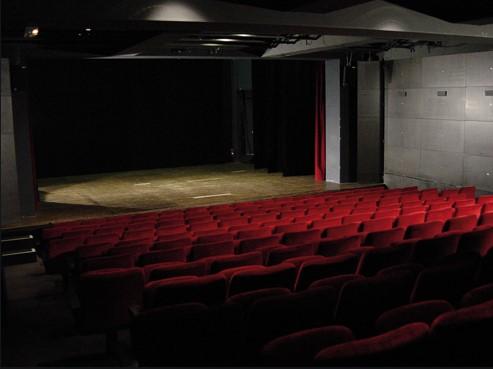 https://the-place-to-be.fr/wp-content/uploads/2020/12/programmation-saison-2021-theatre-moliere-bordeaux-3274b7a7.jpg