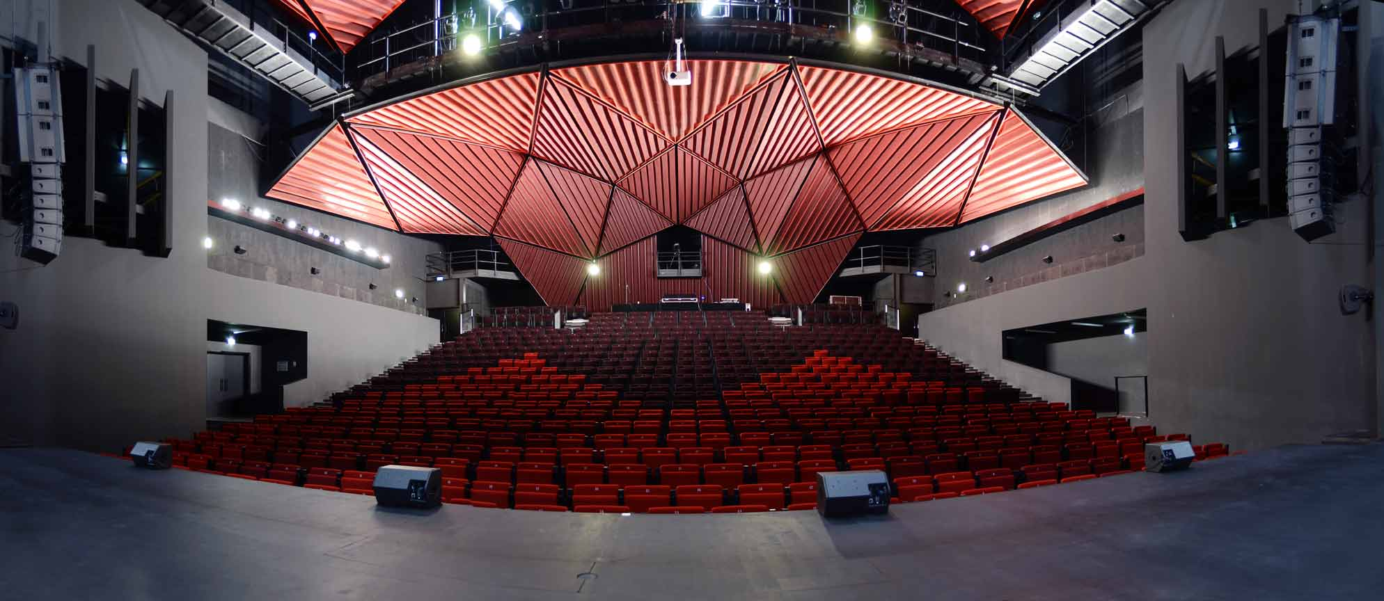 https://the-place-to-be.fr/wp-content/uploads/2021/01/programme-saison-2021-rocher-palmer-cenon-pres-bordeaux-be3bc216.jpg