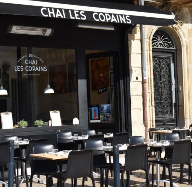 https://the-place-to-be.fr/wp-content/uploads/2021/04/restaurant-chai-les-copains-bordeaux-a0c23b7e.jpg