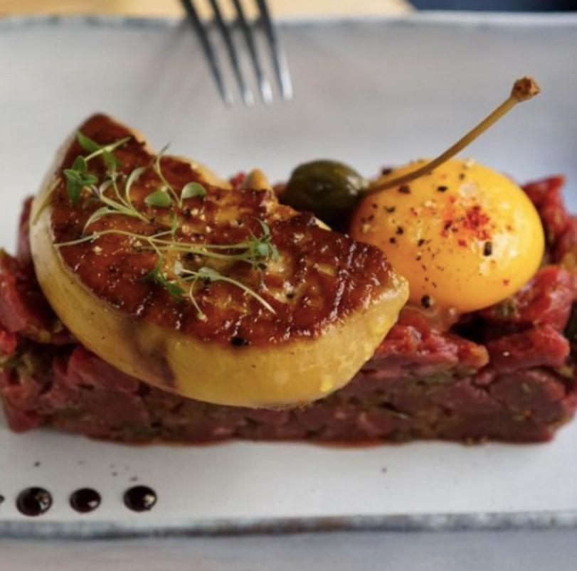 https://the-place-to-be.fr/wp-content/uploads/2021/05/cru-restaurant-33000-bordeaux-gironde-165e5b7d.jpg