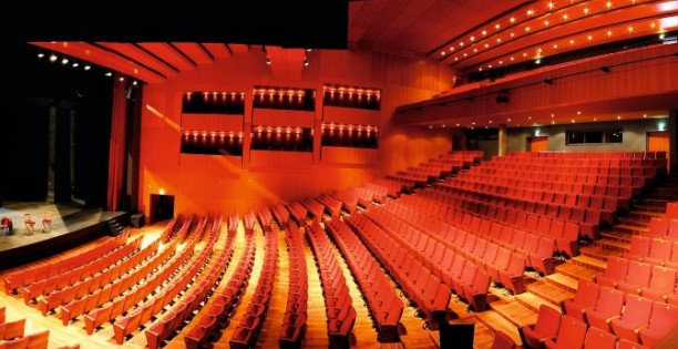 https://the-place-to-be.fr/wp-content/uploads/2021/05/salle-sepctacle-olympia-arcachon-programme-24765489.jpg