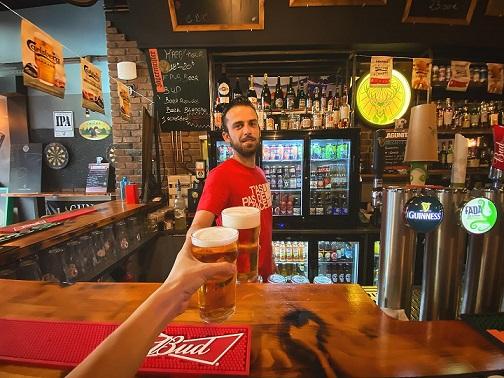 https://the-place-to-be.fr/wp-content/uploads/2021/06/happy-hour-biere-achetee-biere-offerte-the-f-pub-factory-marseille-13002-quartier-joliette-republique-3df186da.jpg
