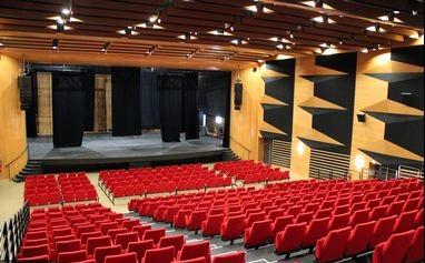 https://the-place-to-be.fr/wp-content/uploads/2021/07/programme-spectacles-espace-nova-velaux-2021-2022-4448d671.jpg