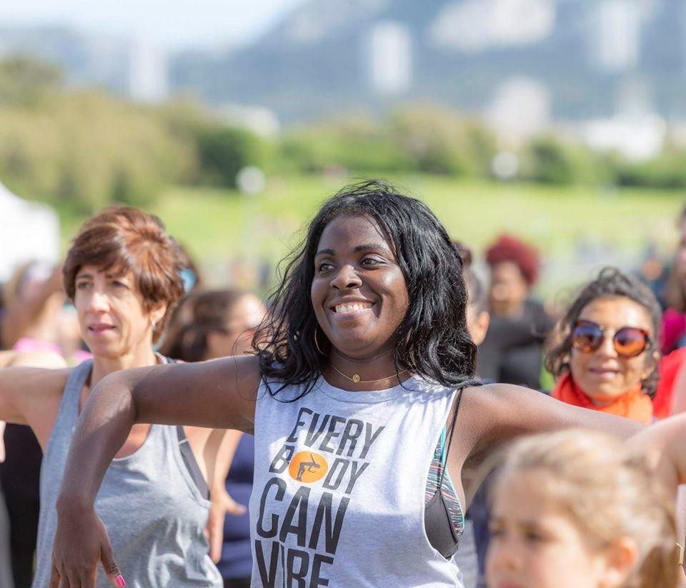 https://the-place-to-be.fr/wp-content/uploads/2021/10/cours-danse-fitness-kudurofit-village-marseillaise-des-femmes-octobre-2021-plage-prado-marseille-99308621.jpg